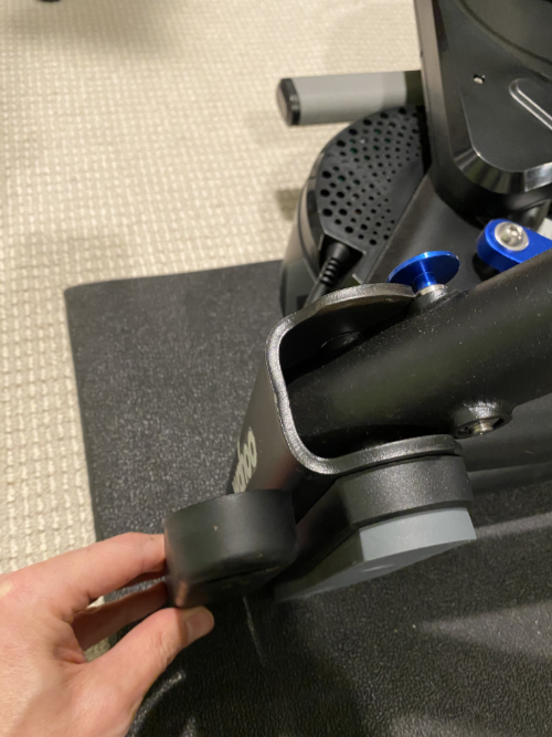 Axis foot for rear